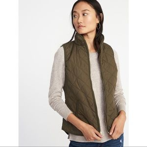 Old Navy Lightweight Diamond-Quilted Vest XS